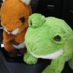 fluffies(フラッフィーズ)という可愛いカエルやリスのぬいぐるみ