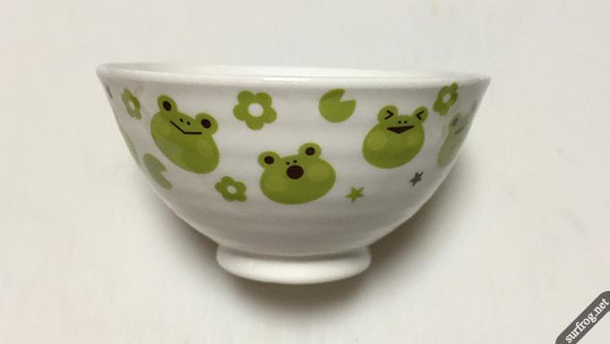 ダイソーカエル茶碗